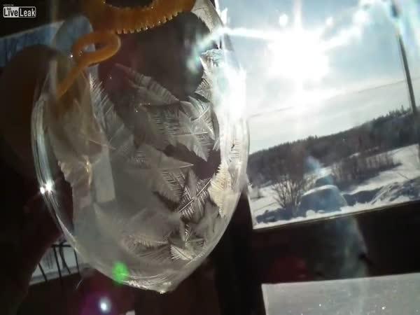 Mrznutí mýdlové bubliny při -30 C