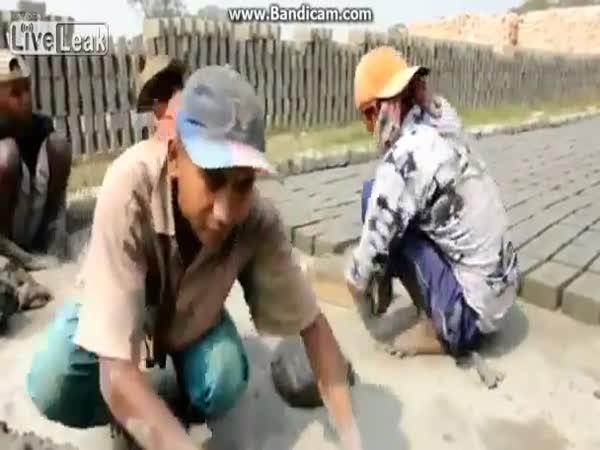 Pracovití lidé - výroba cihel