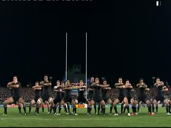 Tanec Haka Novozélandského týmu