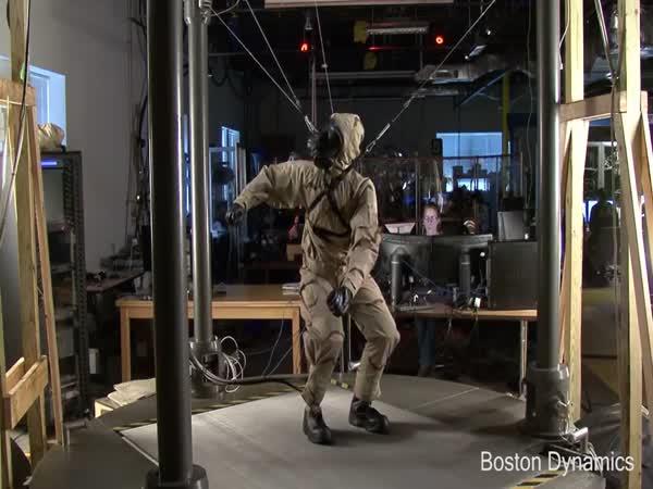 Robot nebo člověk? Petman