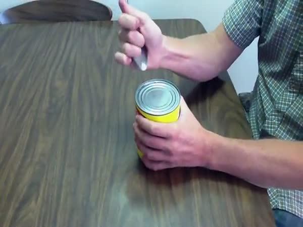 NÁVOD - Jak otevřit konzervu lžící