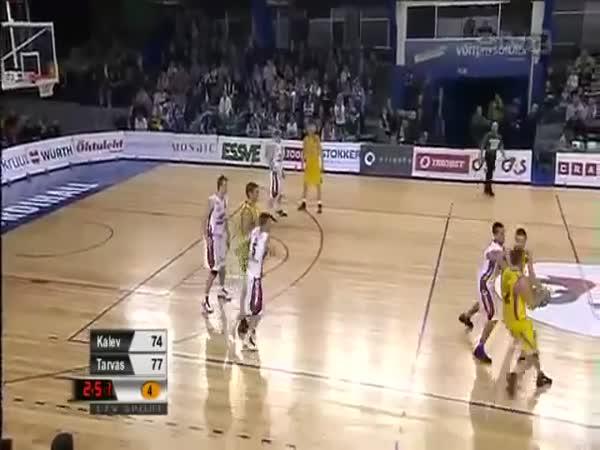 Neuvěřitelný basketbalový koš