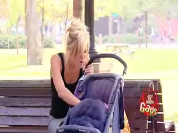 Nachytávka - Kouřící dítě