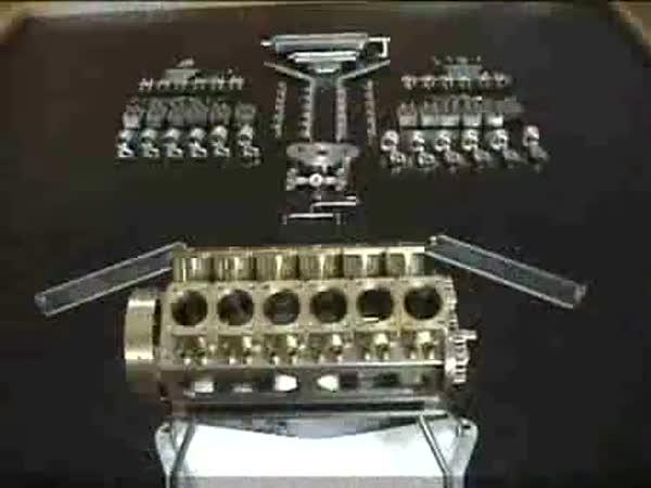 Nejmenší V12 motor na světě