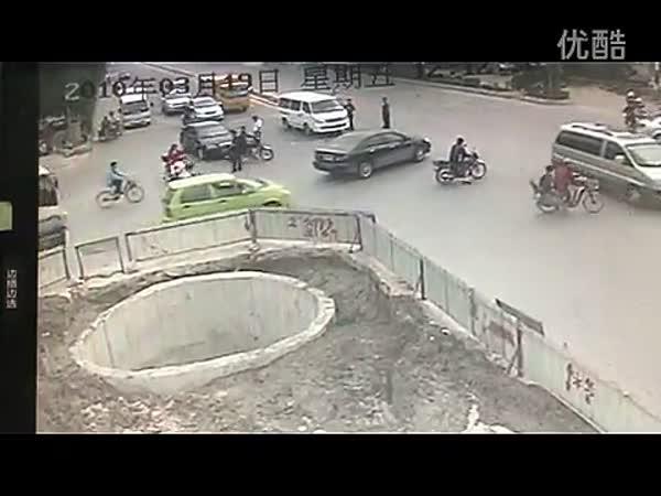 Nešikovný motocyklista