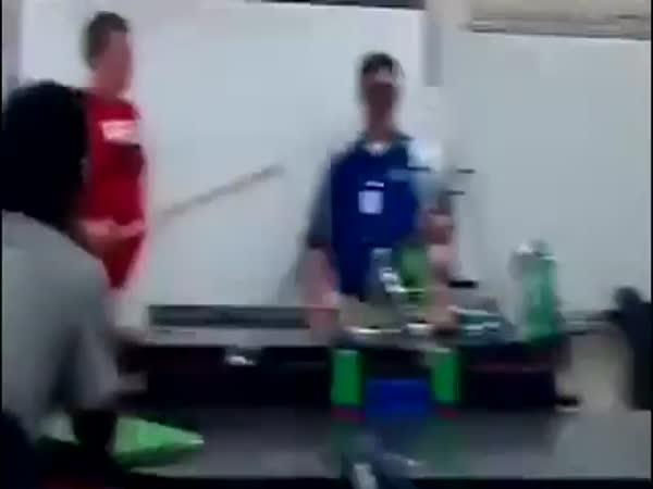 Nehoda při hodině chemie