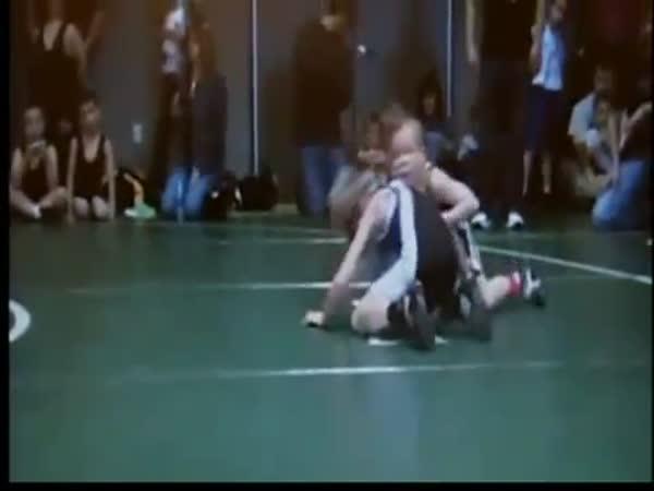 Devítiletý zápasník