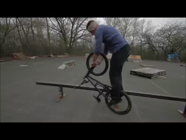 Borec - Triky na kole
