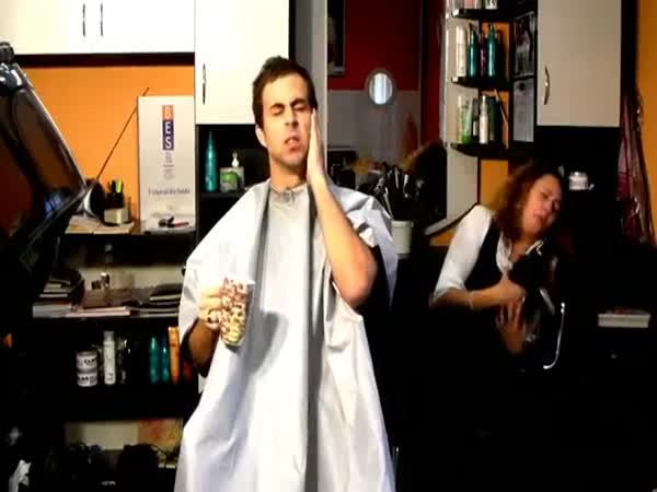 Desatero - Jak se nechovat u holiče