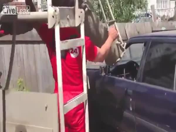 Špatně zaparkované auto - pomsta