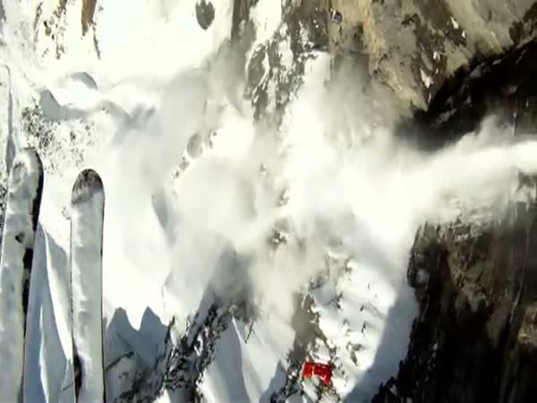 Odvážný lyžař
