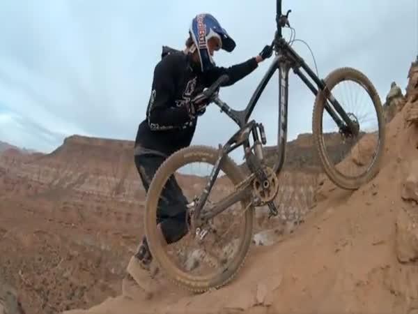 Downhill v poušti