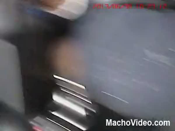 Zásah letícím autem