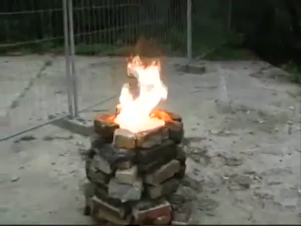 Hořící pingpongové míčky