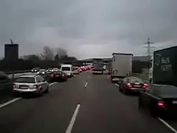 Průjezd záchranky - neměcká dálnice