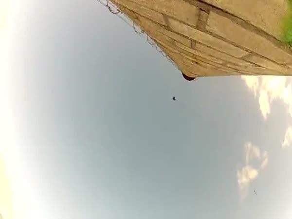 Šílené skoky z komínu