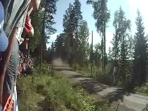 Epický rallye skok