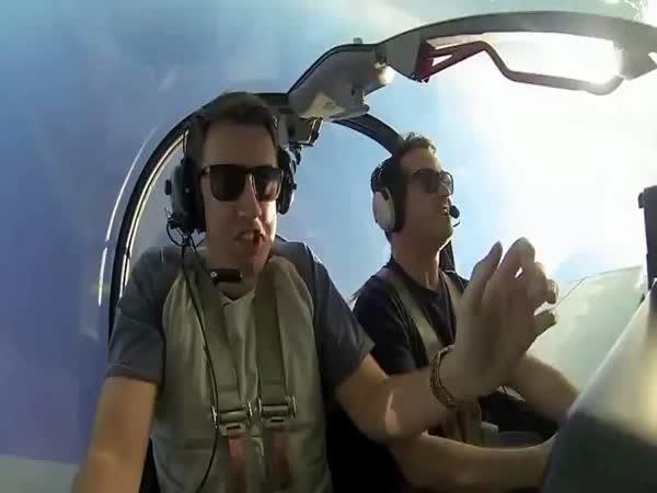 Drsný vtípek - Strach z létání
