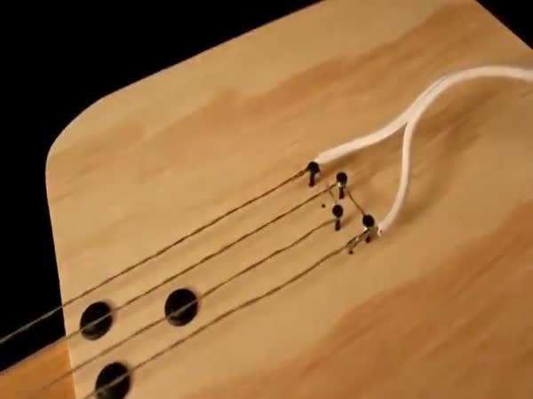 Epic fail - Podomácku vyrobená elektrická kytara