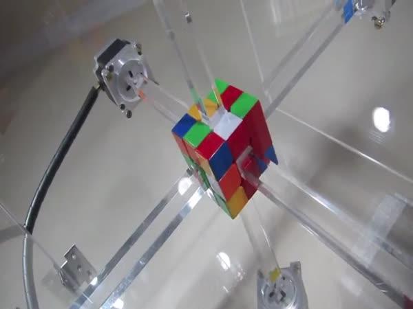 Složení Rubikovy kostky za méně než 1 sekundu