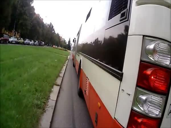 Zábava české mládeže - Chyť ten bus