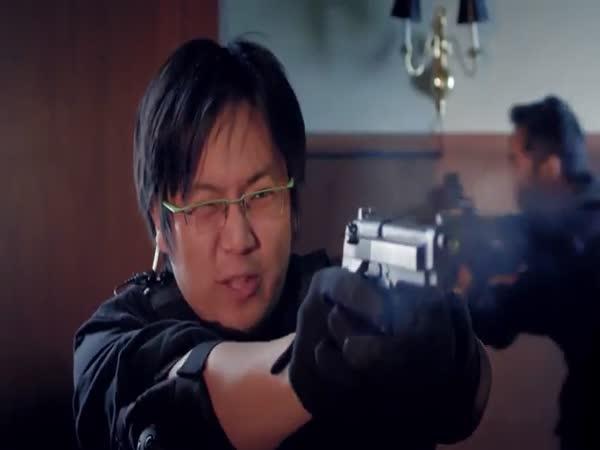 Hraní FPS stříleček na mobilních telefonech