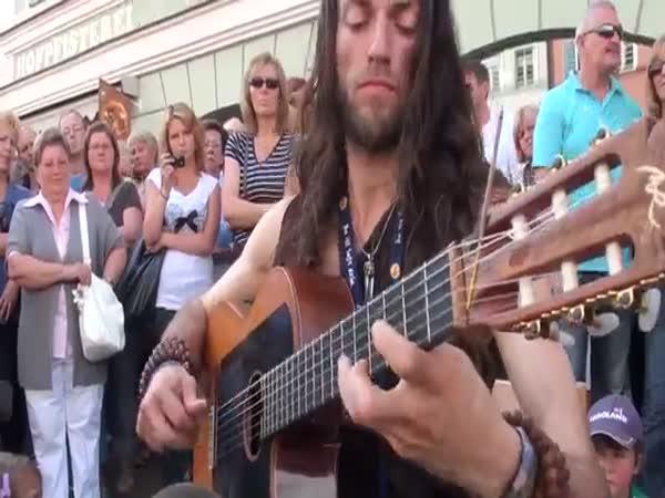 Výborná hra na kytaru