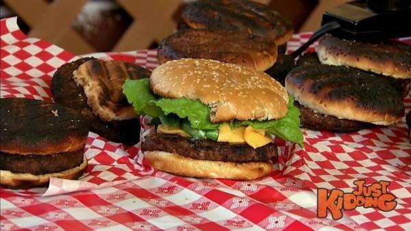 Jak se dělají reklamní hamburgery