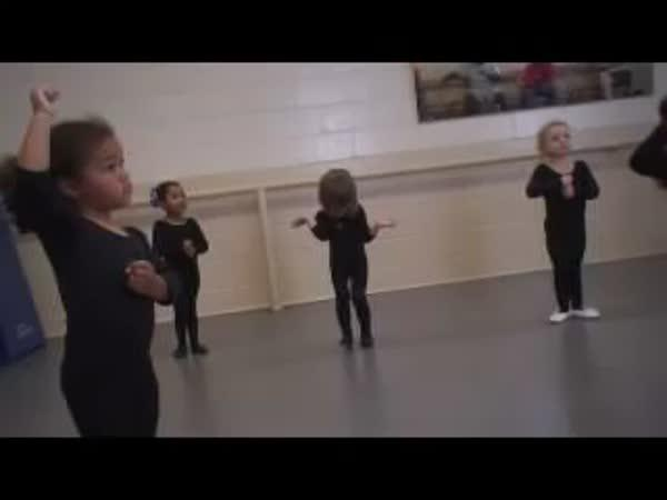 Holčička na baletu