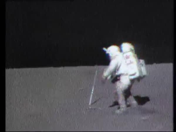 Pokus na Měsíci