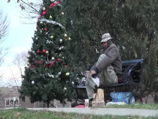 Každý si zaslouží Vánoce