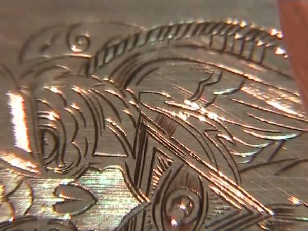 Ruční výroba gravírované mince