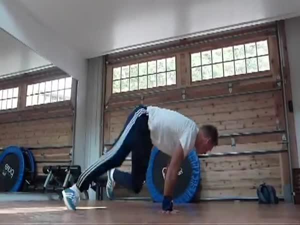Pětapadesátiletý breakdancer