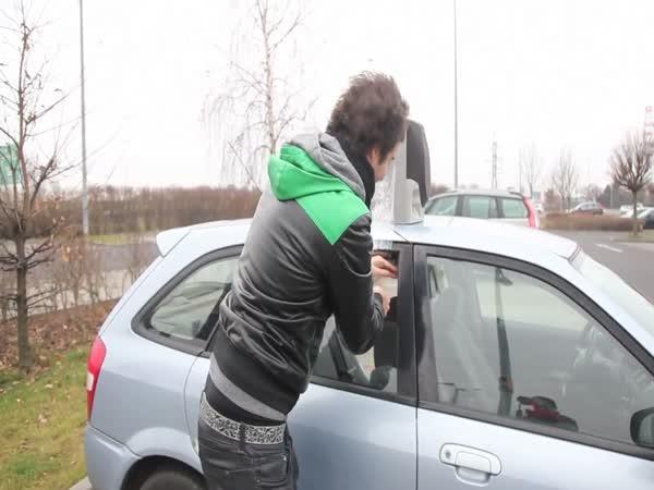 ViralBrothers - Klakson v autě