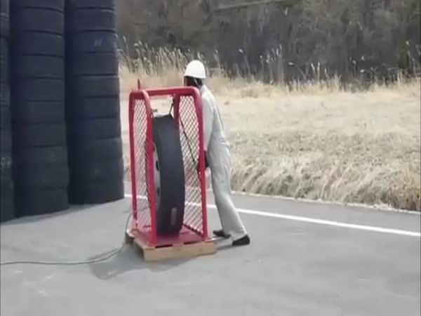 Přetlakovaná pneumatika - test