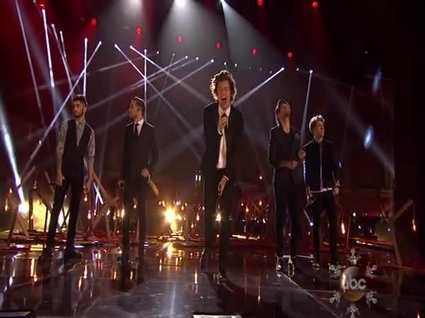 Falešný zpěv One Direction