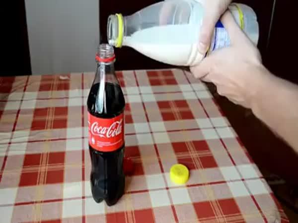 Pokus - Coca Cola + mléko