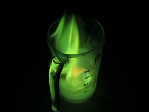 Experiment - zelený oheň