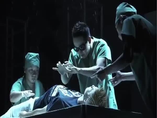 Tanec na operačním sále