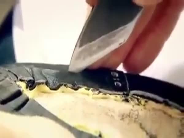 Ruční výroba bot Louis Vuitton