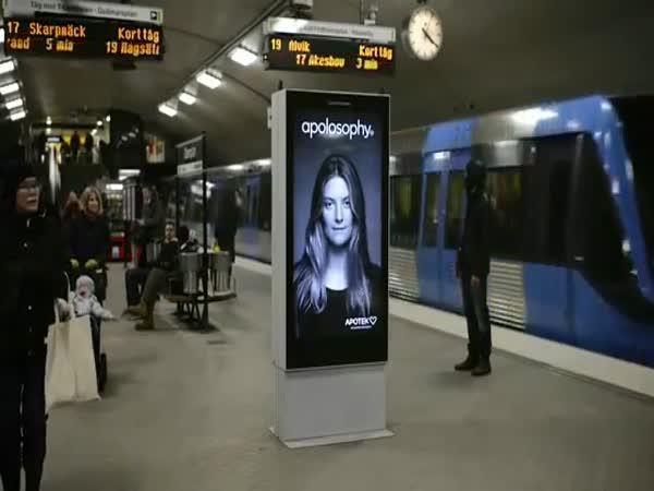 Revoluční - interaktivní reklama