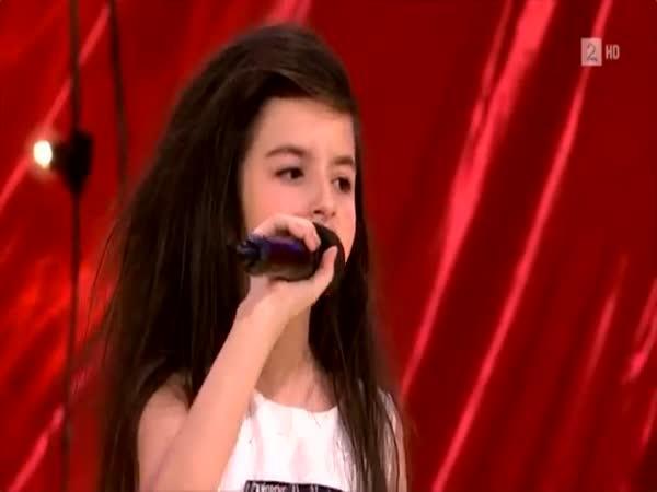 Norská talentovaná zpěvačka
