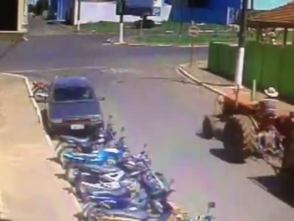 Neopatrná jízda traktorem