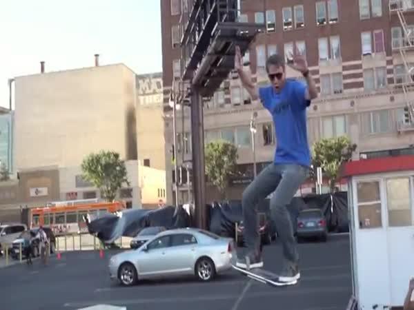 Levitující skateboard HUVr