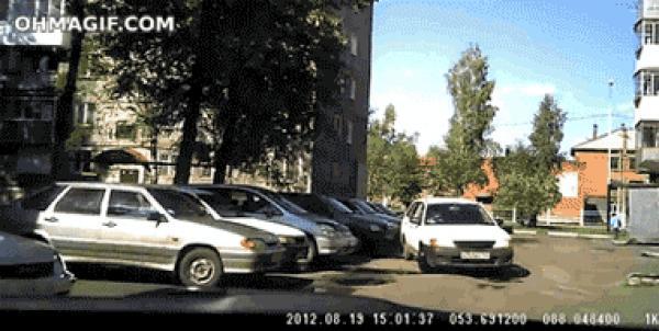 GALERIE - Tragédi parkují