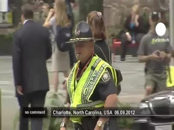 Tančící policista z USA
