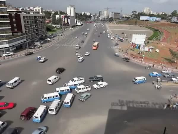 Etiopie - rušná křižovatka