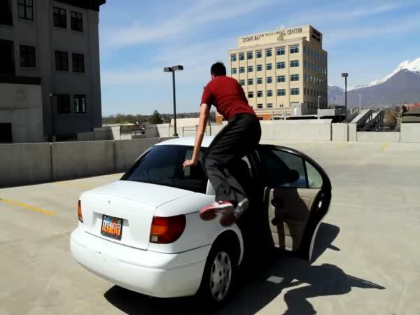 Akrobat a automobil