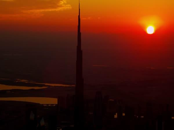 Seskok z nejvyšší budovy světa