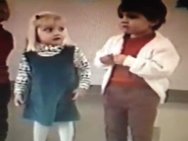 Nechutné dětské kýchnutí